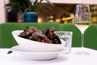 Sinisimpukat Sue Ellenin Seafood Specials-listalla.